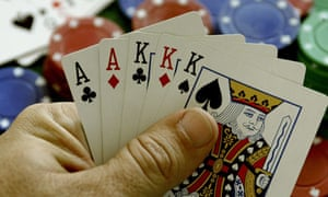 hand playing poker