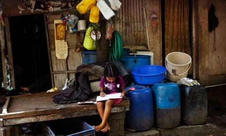 Girl in a Mumbai slum