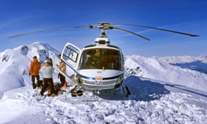 Helicopter skiingin Alaska