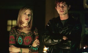 Majandra Delfino and Jason Behr in Roswell in Roswell