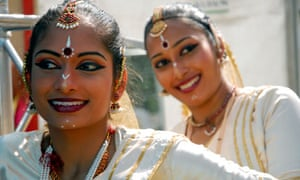 malay dancers