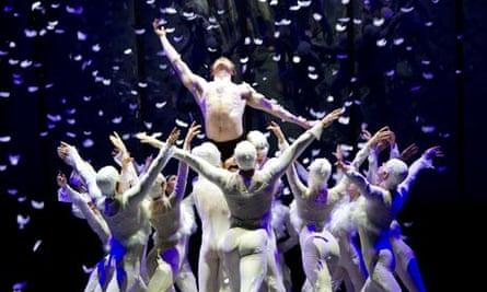 Swan Lake by Peter Schaufuss Ballet @ London Coliseum