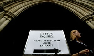 Sign at the Royal Courts of Justice at the start of the Hutton inquiry into the Kelly affair.