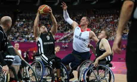 para4- Great Britain take on Germany at wheelchair basketball.