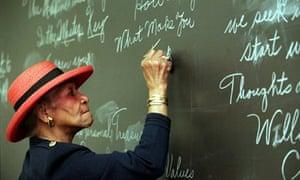 Maxine Powell preparing one of her classes in Detroit, Michigan, 2001.