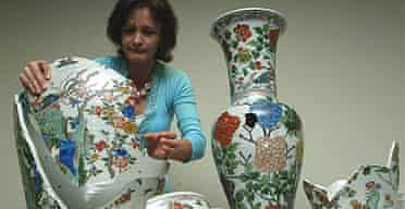 Repairing Fitzwilliam Qing vases