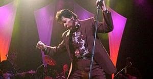 Shakin' Stevens performing in 2005