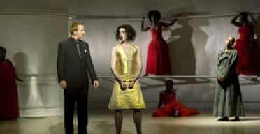 Alan Cummings as Dionysus and Tony Curran as Pentheus in The Bacchae