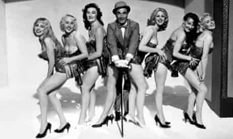 Laurence Olivier and chorus line in The Entertainer