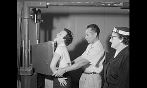 Bill Wood, chest x-ray demonstration, 1955