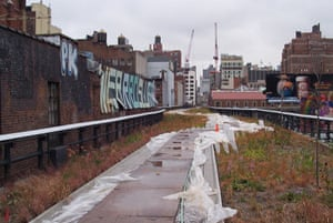 The High Line overhead railway in New York, on November 6 2008. Photograph: Zoe Marks