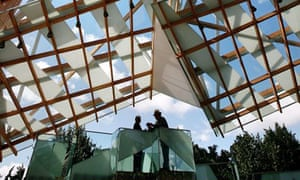 Serpentine pavilion by Frank Gehry