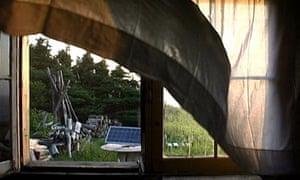 Michael Snow's Solar Breath (Northern Caryatids) (2002)
