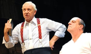 Kevin Spacey and David Troughton in Inherit the Wind