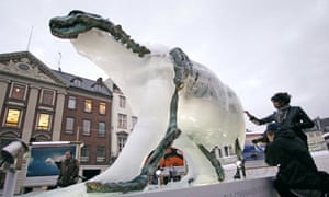 Ice sculpture of a polar bear in Copenhagen