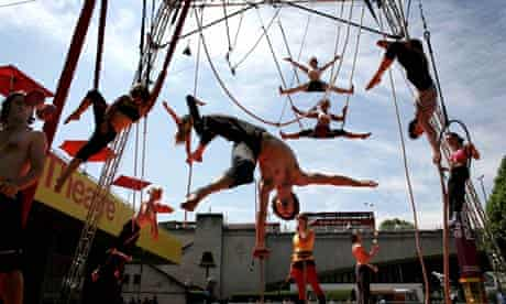 Final-year students from Circus Space rehearse in London