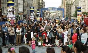 Street performers at Edinburgh festival 2008