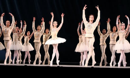 Alina Cojocaru and Rupert Pennefather in Diamonds from Jewels by the Royal Ballet