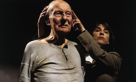 John Gielgud and Rebecca Pidgeon in a 2001 TV production of Beckett's Catastrophe