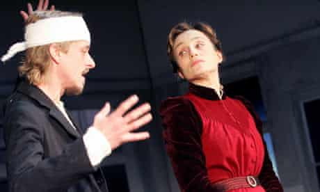 Mackenzie Crook and Kristin Scott Thomas in The Seagull at the Royal Court in 2007