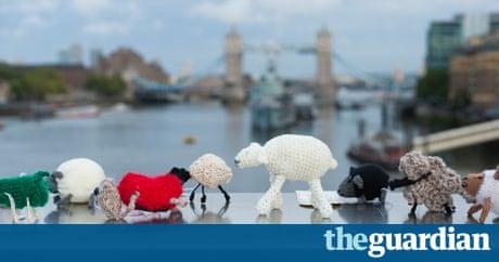 Graffiti Knitting Epidemic : The graffiti knitting epidemic art and design guardian