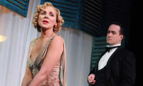 Kim Cattrall and Matthew Macfadyen in Private Lives at Vaudeville Theatre