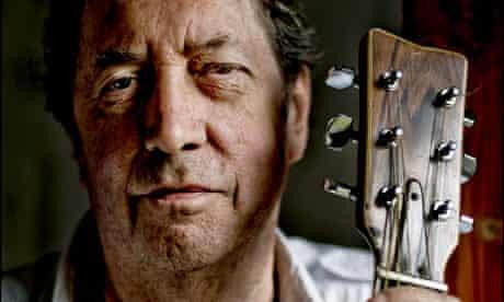 Legendary folk guitarist Bert Jansch