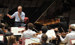 Conductor Claudio Abbado rehearsing with the Lucerne Festival Orchestra on 10 October 2011.