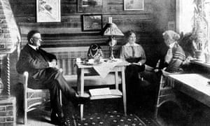Sibelius with his wife and daughter in 1925 his wife and daughter in 1925