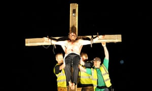 Michael Sheen's the Teacher is crucified in The Passion