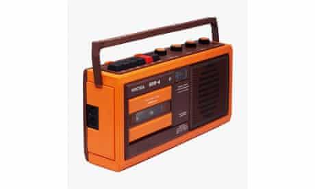 Vesna portable cassette player, Soviet-era design