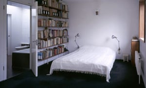 Bedroom at 2 Willow Road, National Trust