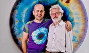 Artist Marc Quinn and geneticist Sir John Sulston arm in arm