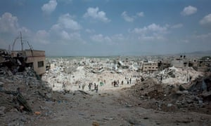 Luc Delahaye's Jenin Refugee Camp (c2001) on show at Tate Modern
