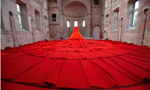 Aamu Song's storytelling dress for the London design festival