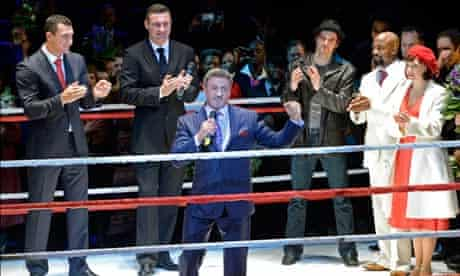 Sylvester Stallone and members of the Rocky: Das Musical cast at the premiere this week