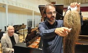 Ilan Volkov and John Tilbury rehearse John Cage's Branches