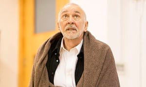 Frank Langella rehearsing King Lear