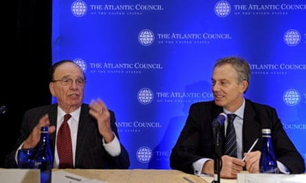 Rupert Murdoch and Tony Blair at news conference in 2008