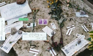 Moyra Davey's shot of Baudelaire's grave