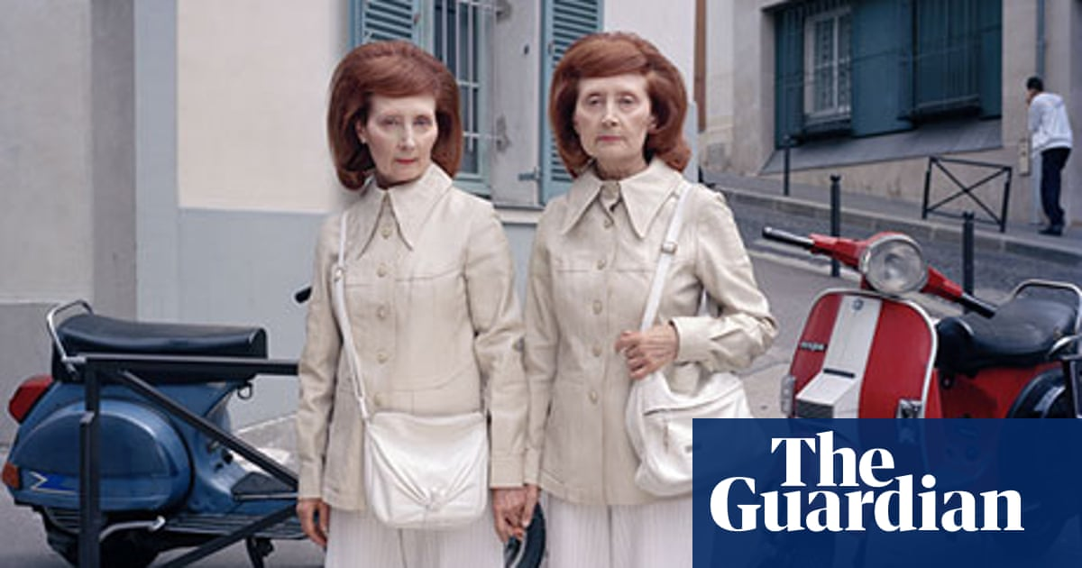 Maja Daniels' best photograph: the Malroux twins on the streets of Paris