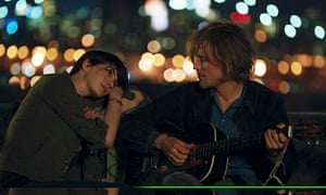 Anne Hathaway and Johnny Flynn in Song One.