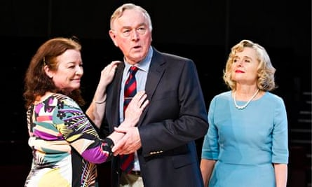 Clare Higgins, Peter Egan and Sinéad Cusack in Other Desert Cities