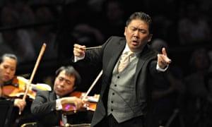 Long Yu conducts the China Philharmonic