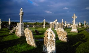 'Ó Cadhain achieves a perfect synthesis of style and subject' … a graveyard in Ireland.