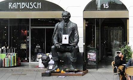 Galschiot's statue of Hans Christian Andersen
