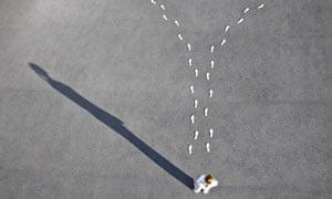 Diverging footprints