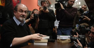 Salman Rushdie signs copies of Shalimar the Clown in Budapest, Hungary