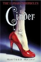 Marissa Meyer, The Lunar Chronicles: Cinder