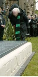 Michael Foot at Hazlitt's grave